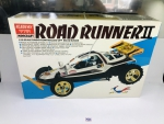 Automodelo Buggy 1/10 Road Runner 2 Academy 4x2 kit para montar