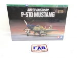 Kit Tamiya Avião Mustang P-51d War Bird Ww2 1/72 - 60749